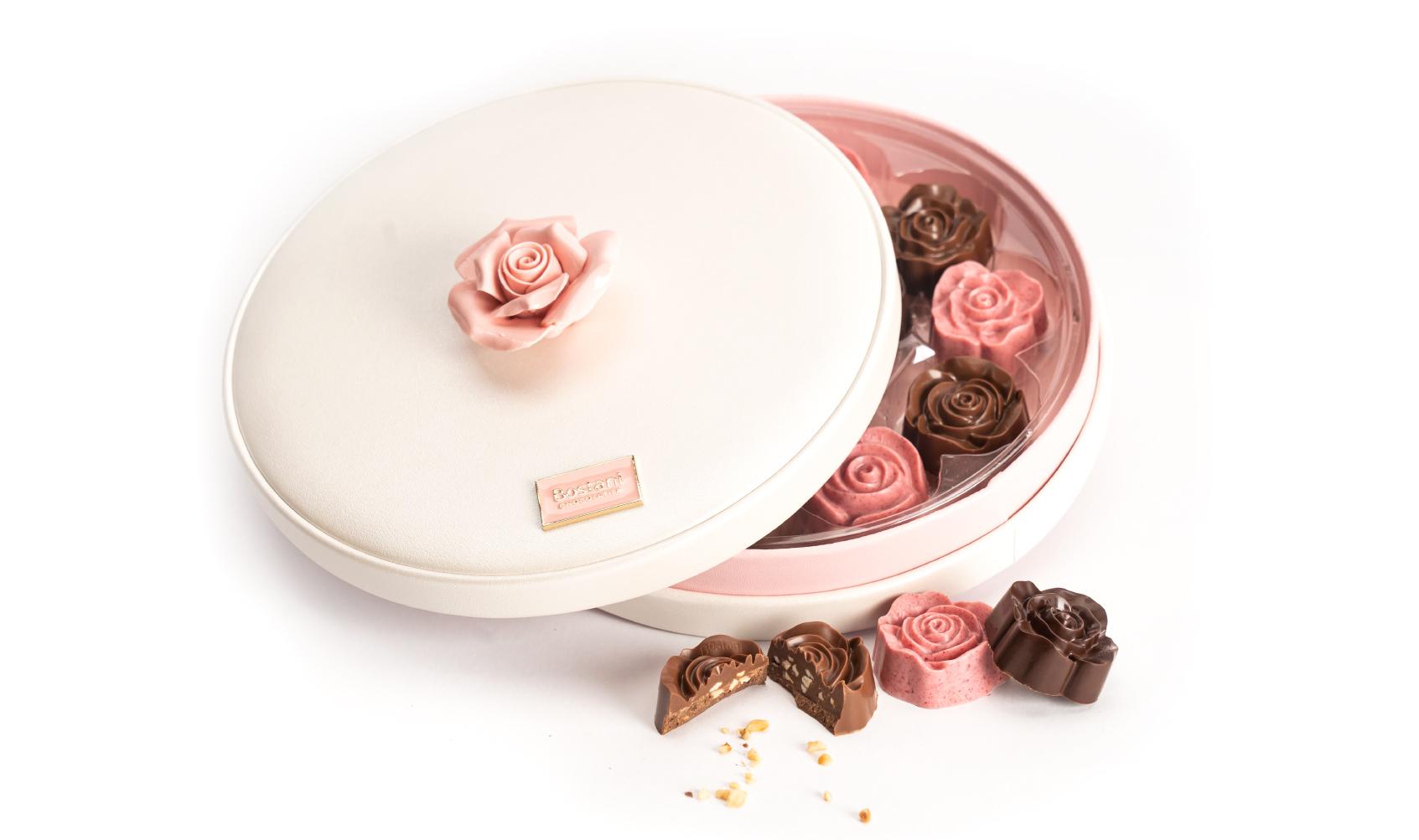 علبة شوكولاتة الوردة