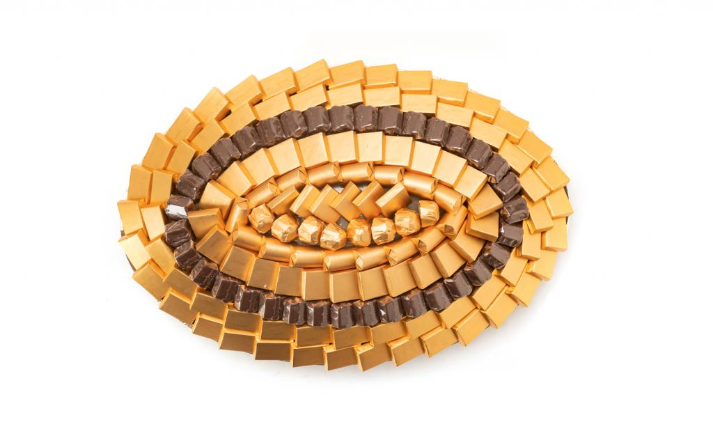 Mix Chocolate Medium Gold Oval