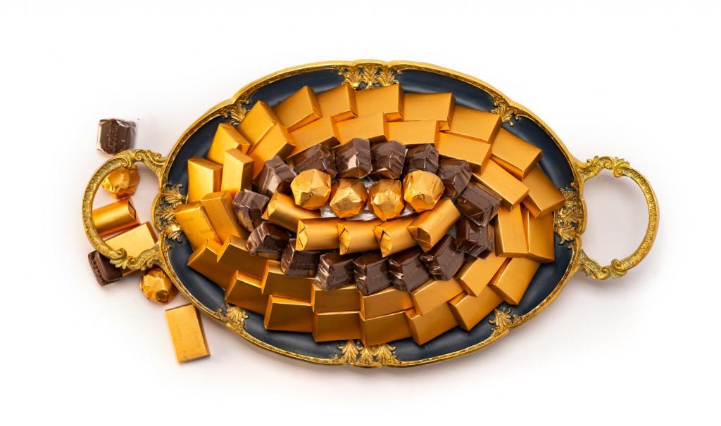 Mix Chocolate Small Dark Blue Metal Tray